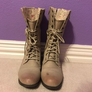 Shoes - Tan/grey combat boots with floral foldover